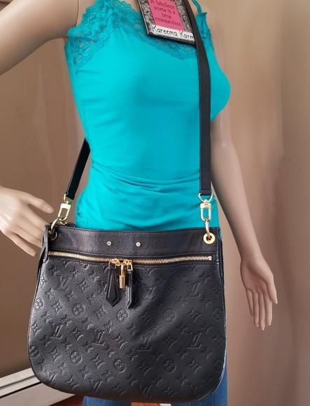 Louis Vuitton Handbags - Authentic Louis Vuitton Noir Empreinte Spontini